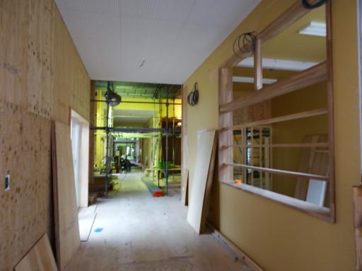 廊下施工中